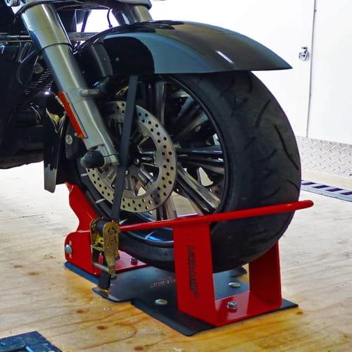 BK1000 Deluxe Motorcycle Wheel Chock 1