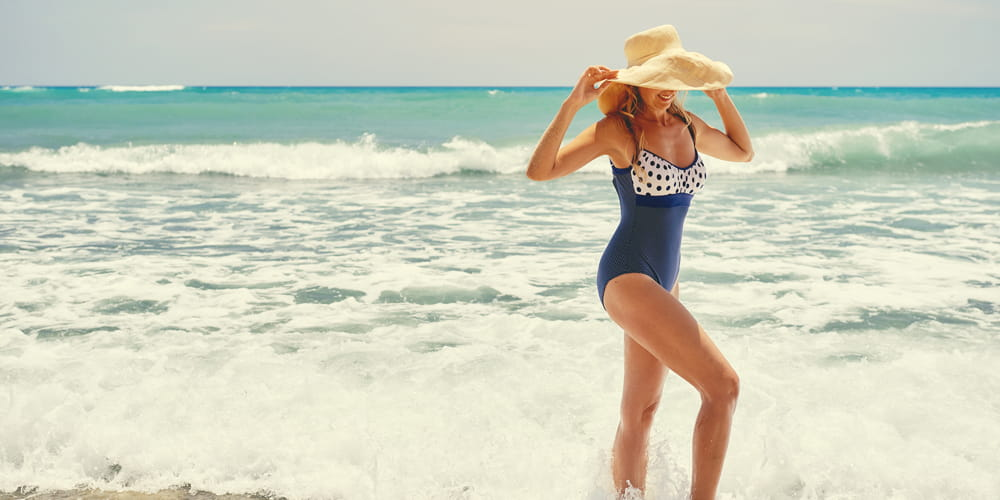 one piece swimsuits flattering